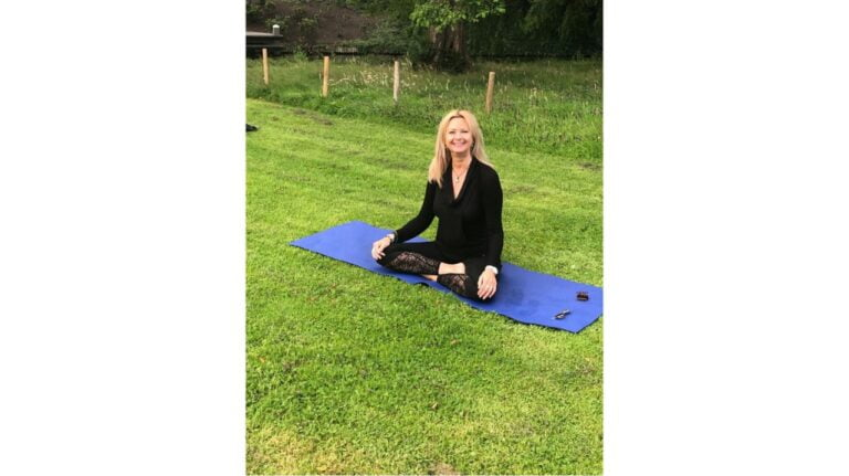 yoga afbeelding wit 768x431